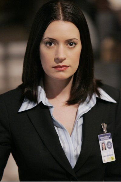 Emily Prentiss Leaving Criminal Minds http://lawtechworld.com/tv/2012/02/criminal-minds-season-7-spoiler-emily-prentiss-leaving/
