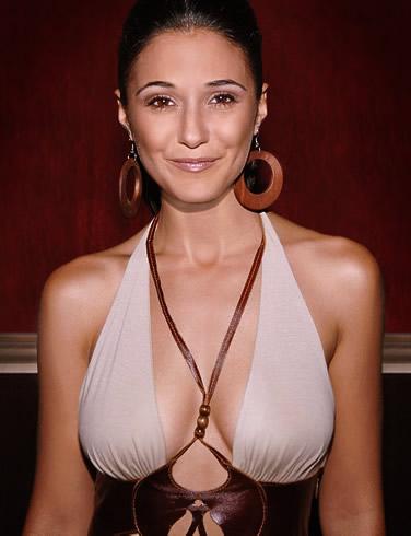 Emmanuelle Chriqui Thong Emmanuelle Chriqui as Loraliei